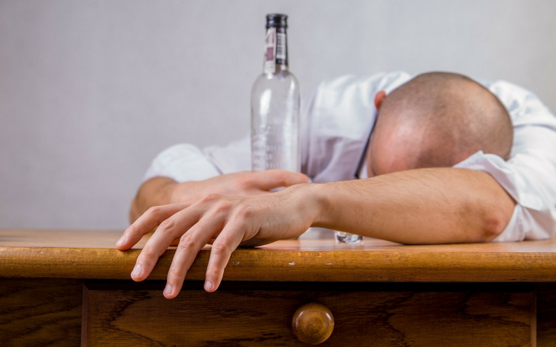 signs of alcohol abuse